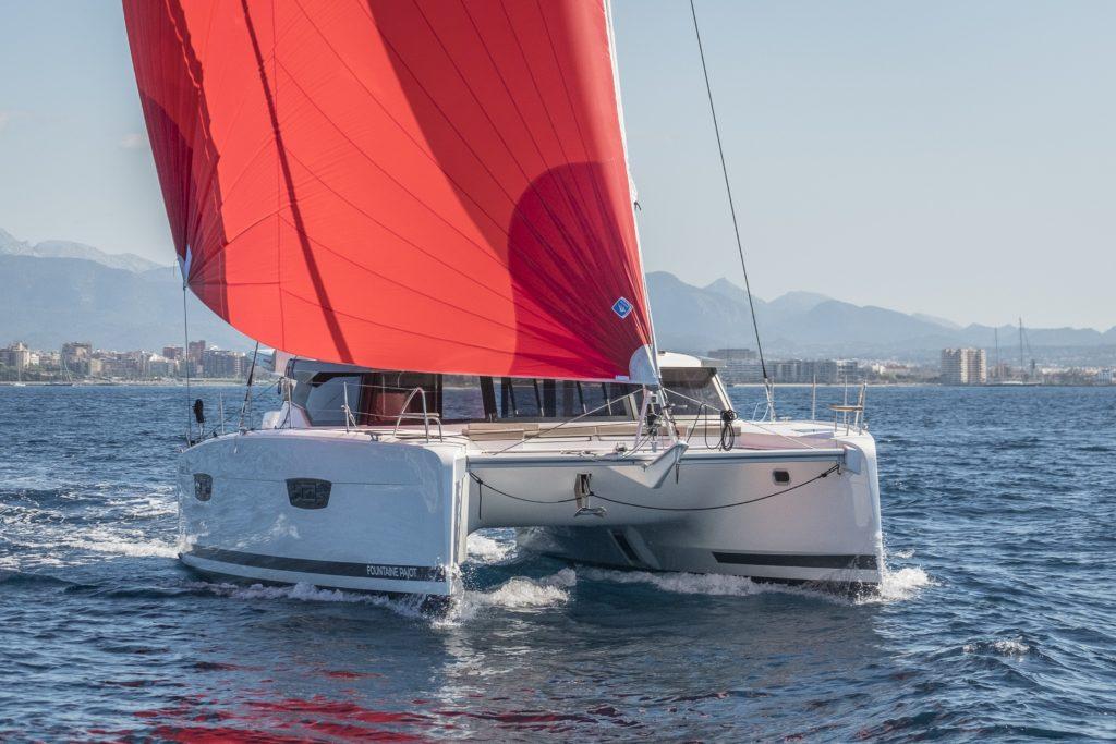 Catamaran Astrea 42 en navigation
