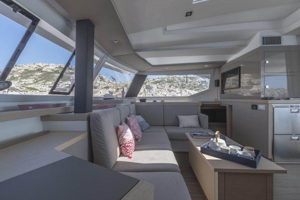 Catamaran astrea 42 salon