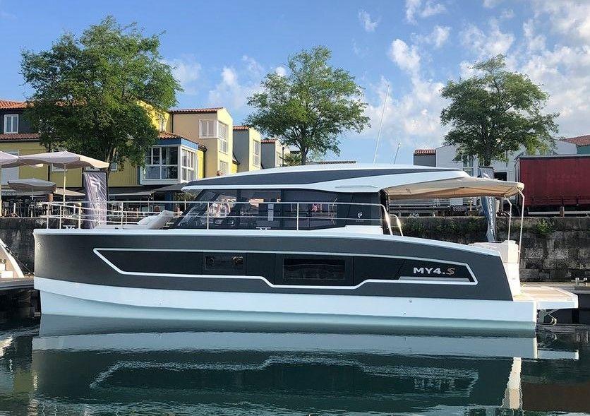 Le MY4.S coque n°1 - en vente exclusive chez Azur Catamarans Yachts !